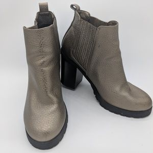 NWOT Sam & Libby pewter boots